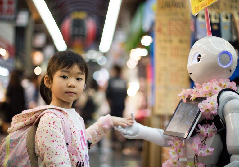 Tíz év múlva jöhetnek a gondolatolvasó robotok